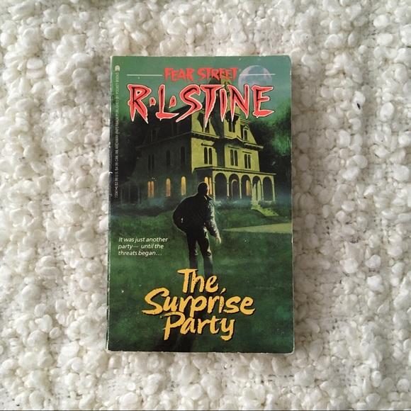 R L Stine Fear Street #2 The Surprise Party book